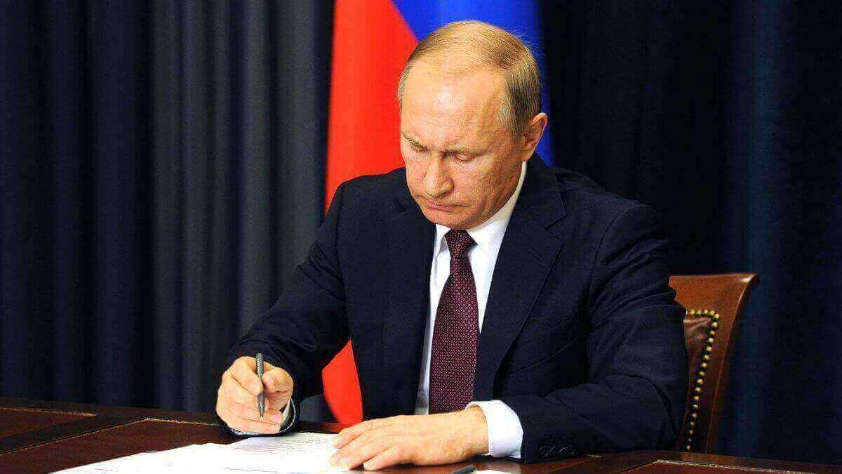Кто будет работать 4, 5, 6, 7, 10 и 11 мая 2021 года в регионах России - последние свежие новости